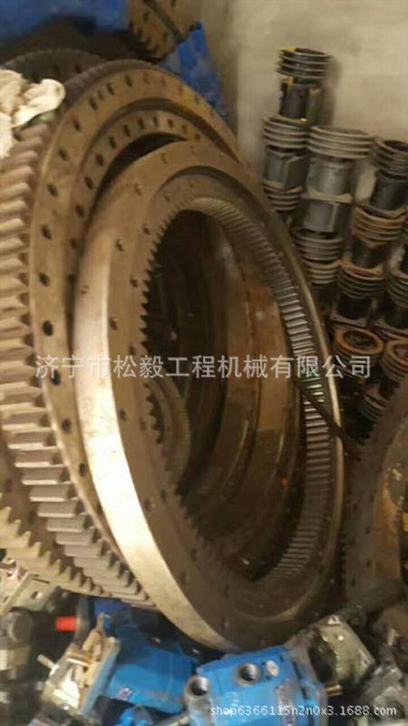 75吨吊车配件液压油缸60吨汽车吊起重机配件图片