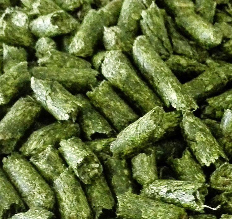 厂家直销 西班牙进口 散装兔粮 高蛋白 适口性好 苜蓿草颗粒