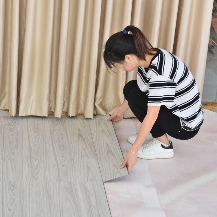 厂家优质供应pvc石塑锁扣地板 4.2mm木纹系列加厚耐磨防水地板革