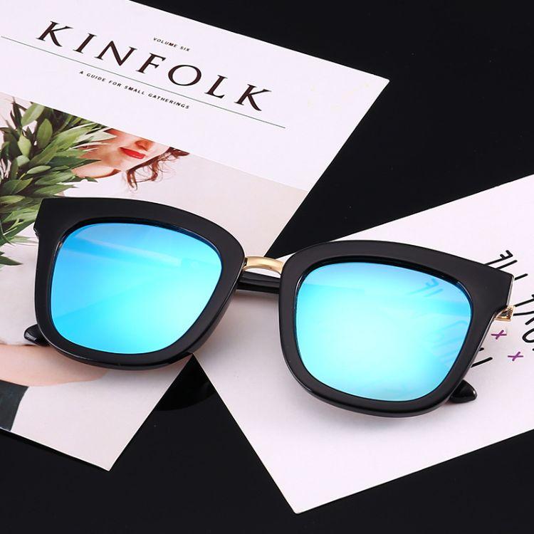 2018外贸爆款半透明彩色方形太阳镜欧美街拍潮流奢华墨镜