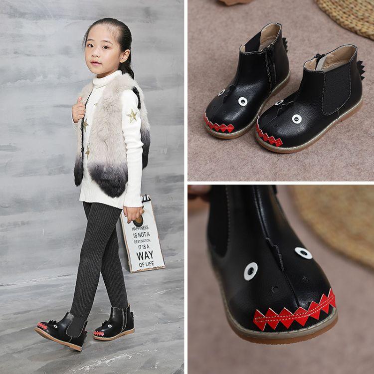 熊猫胖迪2018冬季新款男童女童潮靴可爱小鲨鱼中筒靴超纤皮童靴