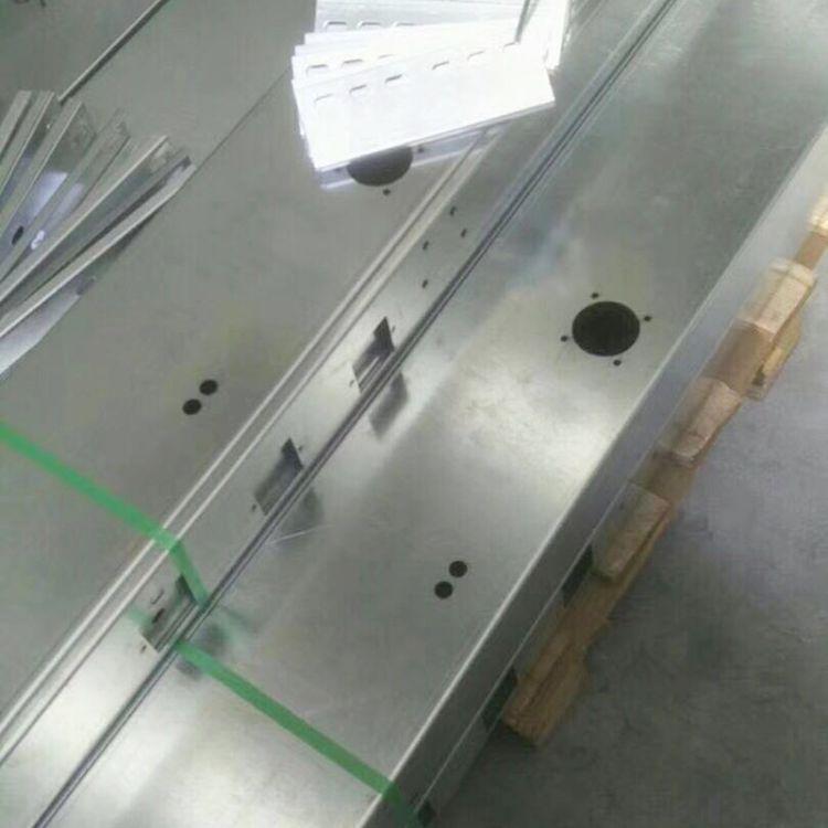 专业生产镀锌槽式桥架 直销供应镀锌桥架 可定制防火式电缆桥架