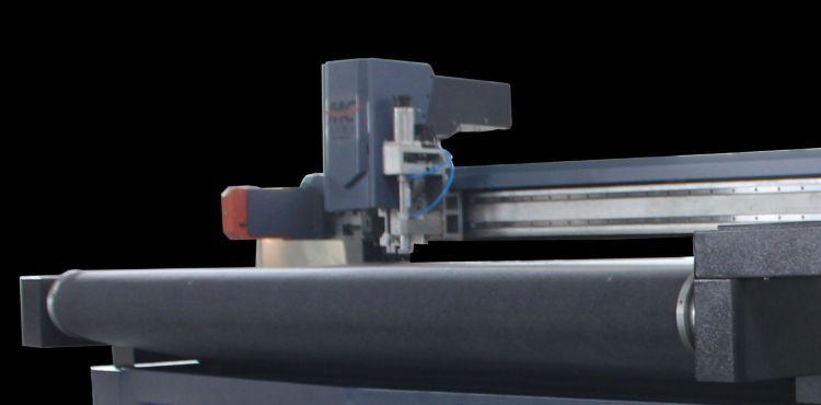 刀片裁布机  皮革切割机 数控沙发裁剪机