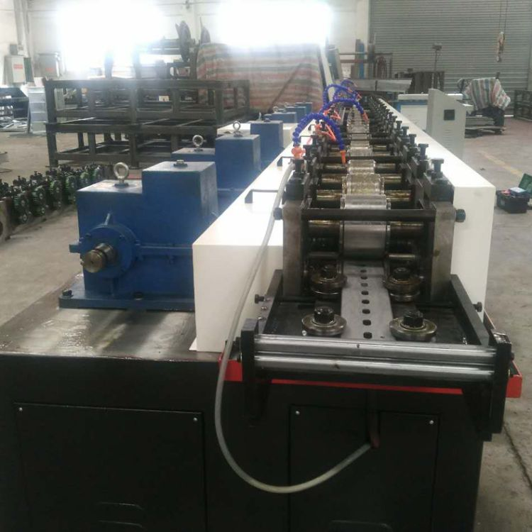 厂家定制 供应光伏支架 抗震支架 风管支架生产设备