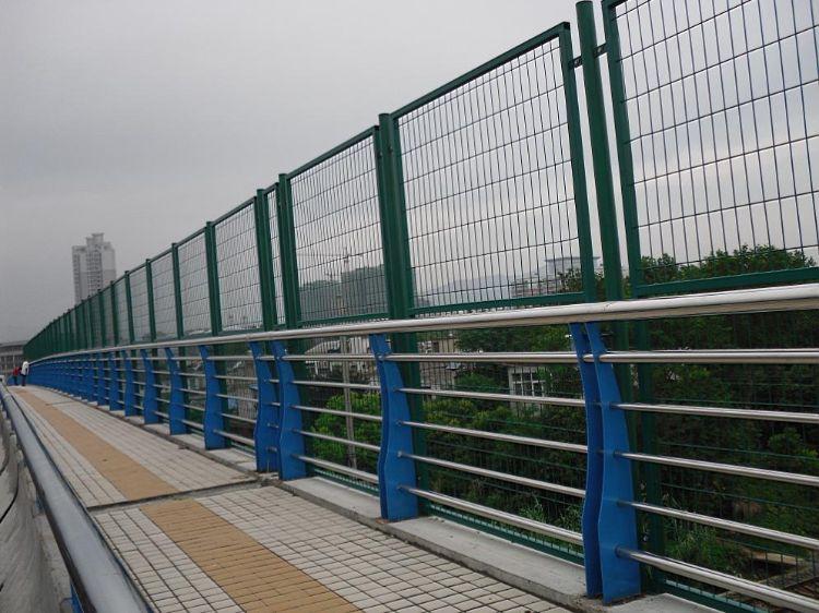 桥梁栏杆防撞护栏  高铁护栏 道路栏杆 地铁站台栏杆